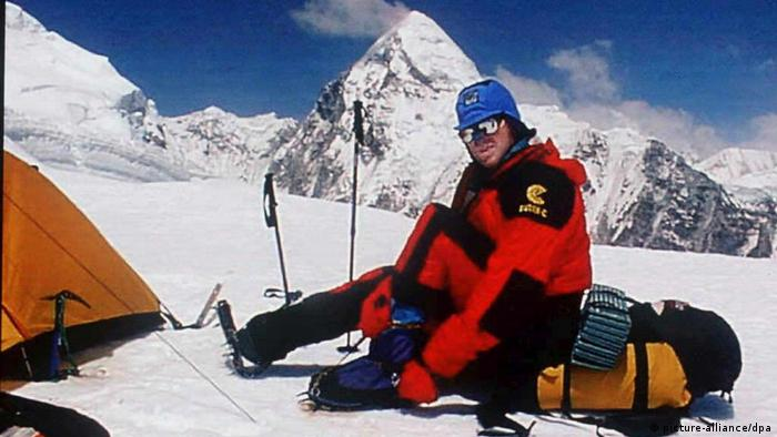 Besteigung des Mount Everest: Bersteiger Tom Whittaker (picture-alliance/dpa)