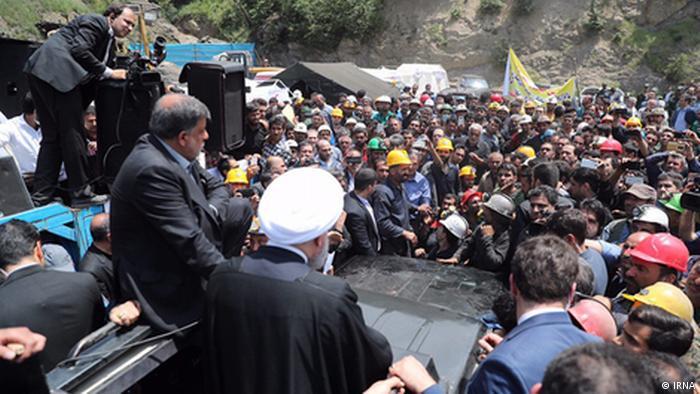 Rohanis Rede vor Minenarbeiter