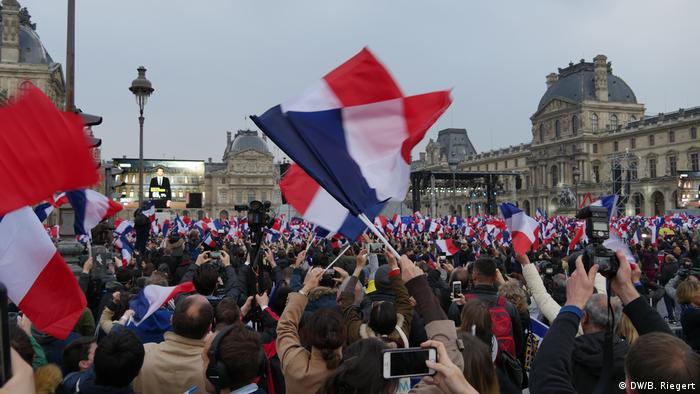 Frankreich Nach den Präsidentschaftswahlen in Paris (DW/B. Riegert)