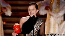 07.05.2017+++ LOS ANGELES, CA - MAY 07: Actor Emma Watson accepts Best Actor in a Movie for 'Beauty and the Beast' onstage during the 2017 MTV Movie And TV Awards at The Shrine Auditorium on May 7, 2017 in Los Angeles, California. (Photo by Kevin Winter/Getty Images)