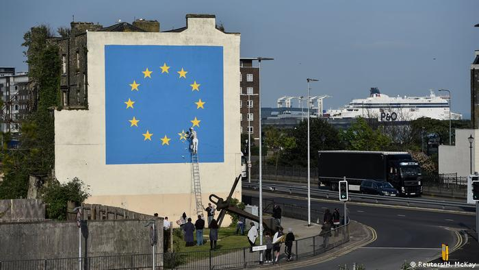 Banksy street art in Dover showing European Union flag (Reuters/H. McKay)