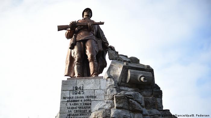 Паметник на червеноармеец в Бранденбург