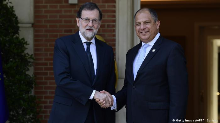 Spanien Ministerpräsident Rajoy und Luis Guillermo Solis Präsident Costa Rica (Getty Images/AFP/J. Soriano)