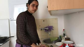 Arnab Goswamis Frau Juthi in der Küche