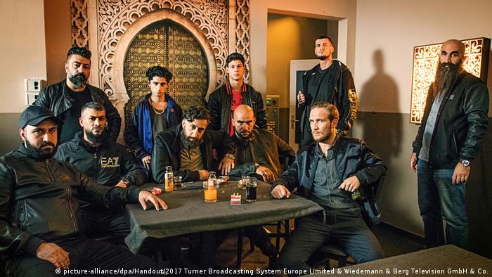 Filmstill 4 Blocks - Serie um arabischen Mafia-Clan in Berlin-Neukölln (picture-alliance/dpa/Handout/2017 Turner Broadcasting System Europe Limited & Wiedemann & Berg Television GmbH & Co.)