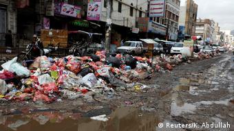 Sana'da temizlik görevlileri on gün boyunca grev yapmıştı.