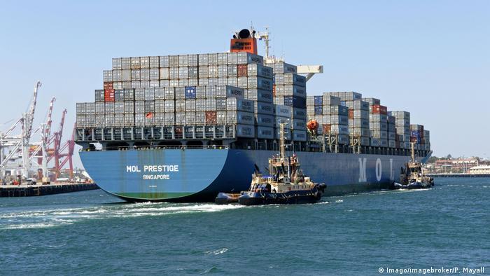 Containerschiff Mol Prestige Singapur