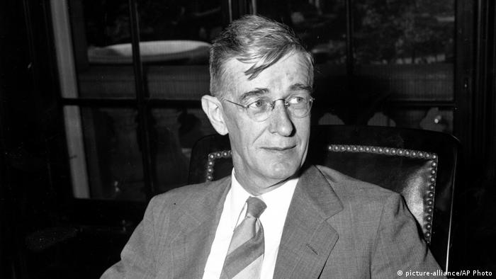 Vannevar Bush US-amerikanischer Ingenieur (picture-alliance/AP Photo)