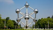 Zu Bildergalerie Instagram: beliebteste Sehenswürdigkeiten: Das Atomium in Brüssel (Belgien), aufgenommen am 27.05.2016. Das Atomium ist ein Gebäude in Brüssel, das zur Expo '58 errichtet wurde. Das Atomium ist als Symbol für das Atomzeitalter und die friedliche Nutzung der Kernenergie entworfen worden. Foto: Daniel Karmann (ACHTUNG: NUR FUER REDAKTIONELLE NUTZUNG - SABAM - COPYRIGHT ATOMIUM)   Verwendung weltweit