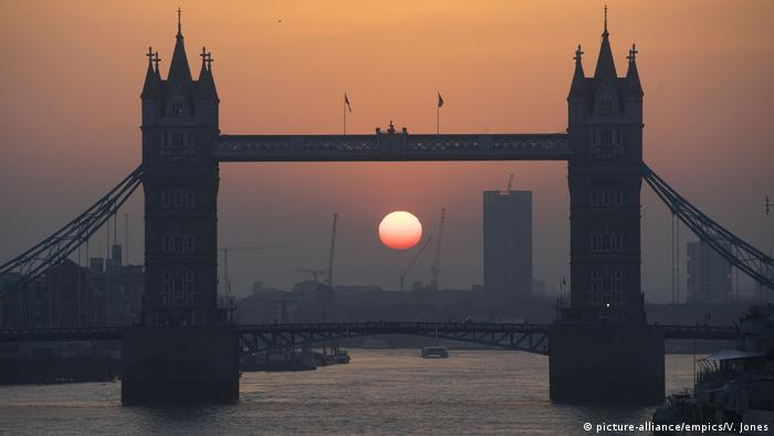 England Tower Bridge in London (picture-alliance/empics/V. Jones)