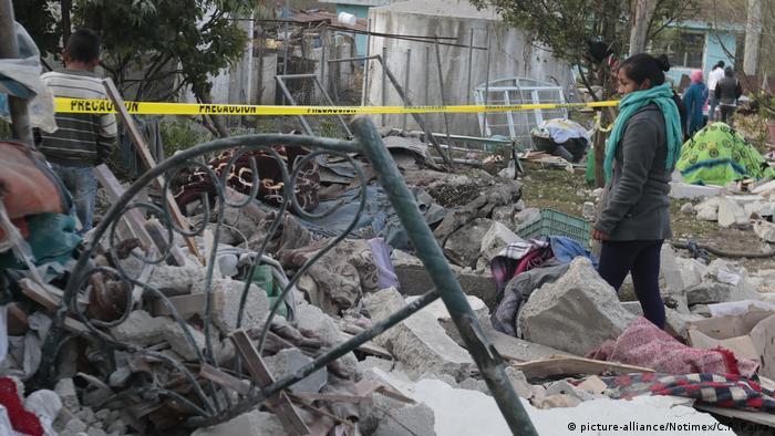Mexiko 14 Tote bei Explosion von Feuerwerk (picture-alliance/Notimex/C.P. Parra)