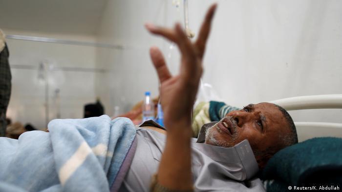 Jemen Cholera-Patient in Sanaa (Reuters/K. Abdullah)