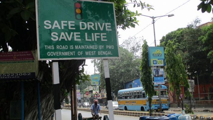 Indien Kampagne für Sicherheit im Sraßenverkehr
