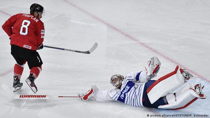 Eishockey Weltmeisterschaft Frankreich gegen Schweiz (picture alliance/KEYSTONE/P. Schneider)
