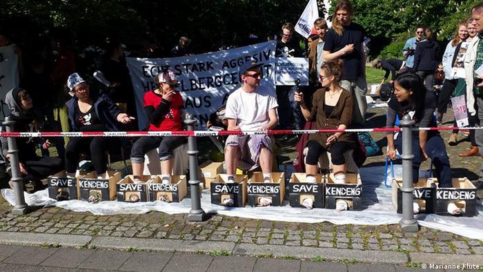 Deutschland Protest gegen HeidelbergCemen in Heidelberg (Marianne Klute)