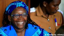 25.04.2017 *** REFILE - CORRECTING TYPO Ugandan prominent academic Stella Nyanzi smiles as she appears at Buganda Road court charged with cybercrimes after she posted profanity-filled denunciations of president Yoweri Museveni on Facebook, in Kampala, Uganda April 25, 2017. REUTERS/James Akena Optimiert für mobile Angebote