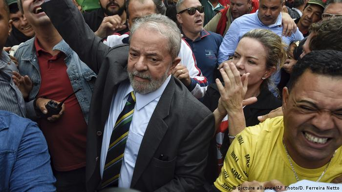 Brasilien Lula da Silva (picture alliance/AP Photo/D. Ferreira Netto)