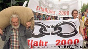 Demonstration von erlassjahr.de (Quelle: dpa)