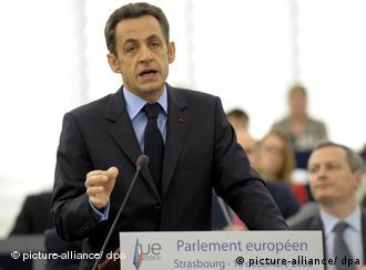 French President Nicolas Sarkozy addresses the European Parliament and debates with its members on the outcome of the latest EU summit focused on the economy, the Lisbon Treaty and climate change, at the EU Parliament in Strasbourg, France, 16 December 2008. On his last speech in this capacity Mr. Sarkozy also discussed the results of the French EU presidency as a whole. EPA/CHRISTOPHE KARABA +++(c) dpa - Report+++