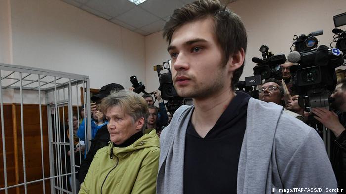 Блогер Руслан Соколовский в суде в день оглашения приговора 11 мая