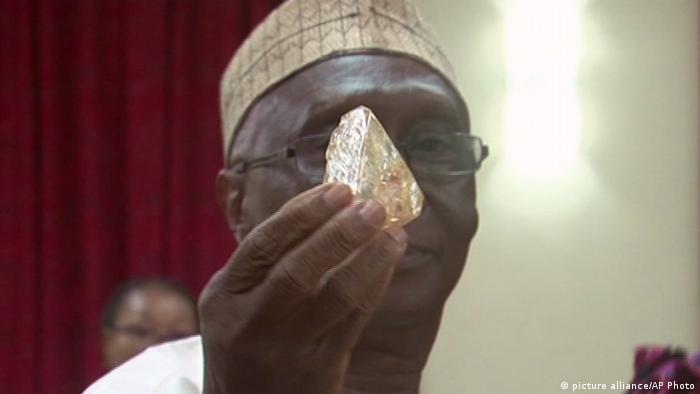 The Mines Minister inspected the 'diamond of peace' in March