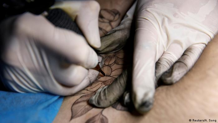 China Tattoos Kaiserschnitt (Reuters/A. Song)