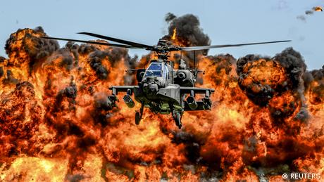 USA Flugschau Kampfhubschrauber AH-64D Apache in South Carolina (REUTERS)