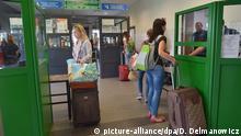 Grenzübergang Ukraine - Polen / Ukrainer reisen nach Polen ein