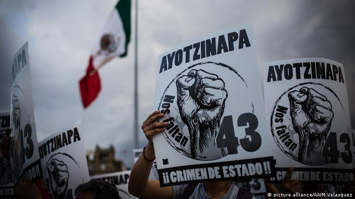 El caso de los 43 estudiantes desaparecidos de Ayotzinapa, sigue sin esclarecerse. Testigos afirman que la policía municipal de Iguala utilizó fusiles G-36, entre otras armas, durante su detención.