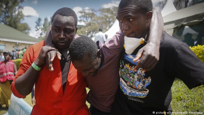 The effects of a terror attack in 2015 in Kenya which was carried out by al-Shabab (picture-alliance/dpa/D. Kurokawa)