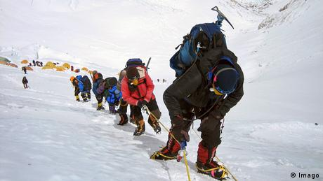 Himalaya - Saisonbeginn für Extrembergsteiger (Imago)