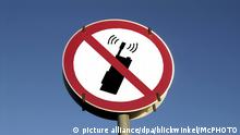 Hinweisschild: Handyverbot, symbolic sign for No mobile phone
