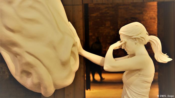 Sculpture of girl touching horse (DW/S. Dege)