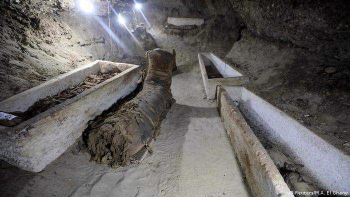 A number of mummies inside the newly discovered burial site in Minya (Reuters/M.A. El Ghany)