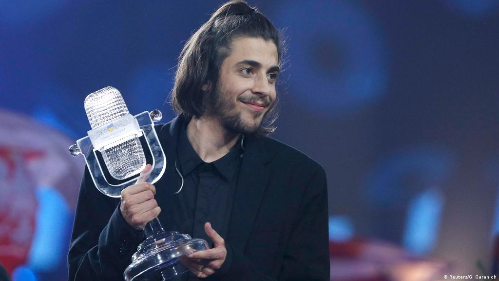Eurovision winner Salvador Sobral in critical condition | Music | DW |  26.09.2017