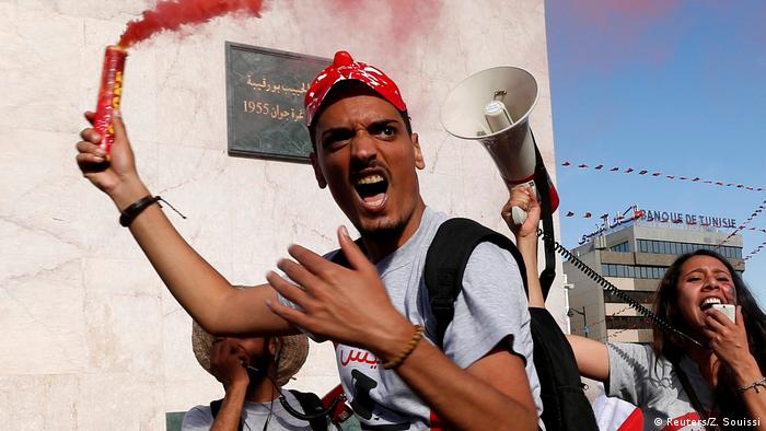 Tunesien Proteste in Tunis (Reuters/Z. Souissi)