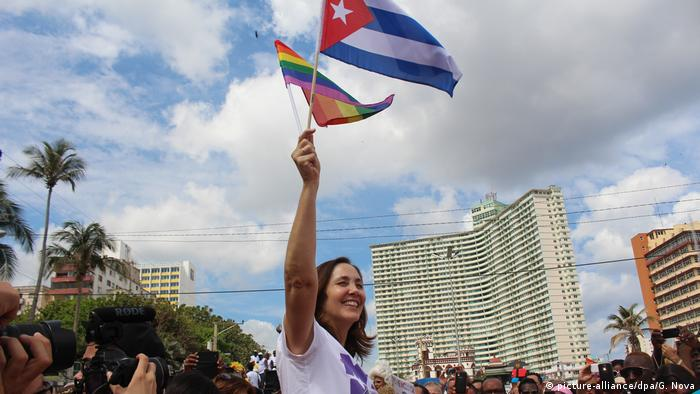 Mariela Castro, one of Cuba's most visible LGBT activists, joined the protesters to call for more rights Foto: Guillermo Nova/dpa +++(c) dpa - Bildfunk