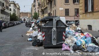 Η Ρώμη αντιμετωπίζει εκτός των άλλων και σοβαρό πρόβλημα με τα σκουπίδια