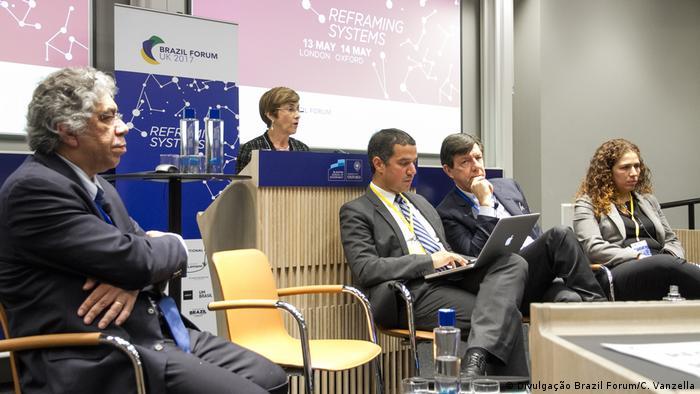 Opiniões contrastantes em Oxford (da esq. para a dir.): Otaviano Canuto, Delaíde Arantes, Roberto Setúbal e Esther Dweck