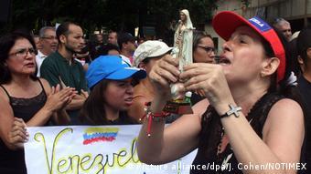Cientos de miles de venezolanos han abandonado el país debido a la crisis.