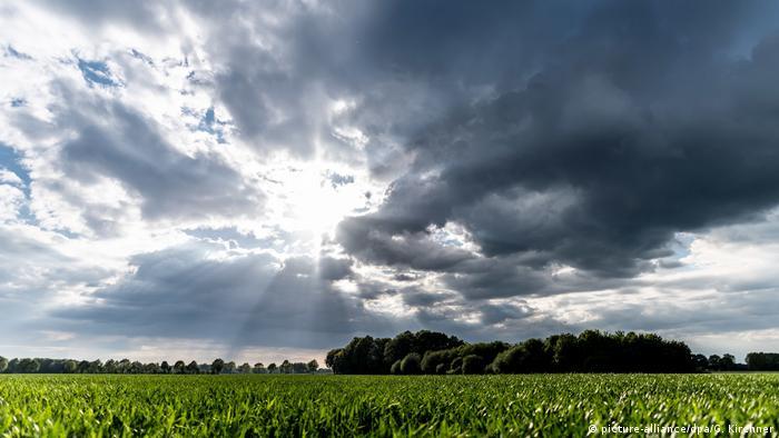 BdT mit Deutschlandsbezug- Dunkle Wolken
