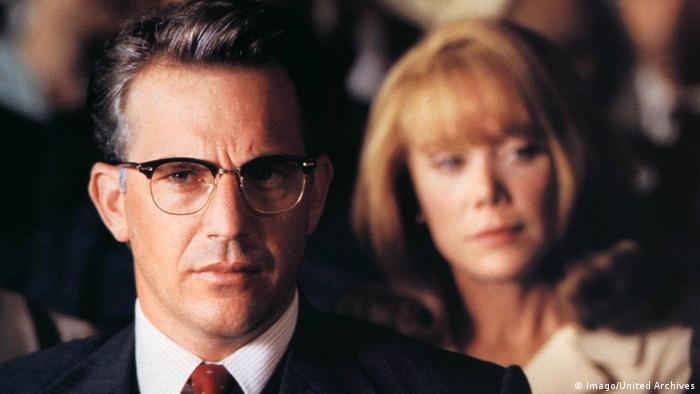 Кадр из фильма Джон Ф. Кеннеди. Выстрелы в Далласе (1991)