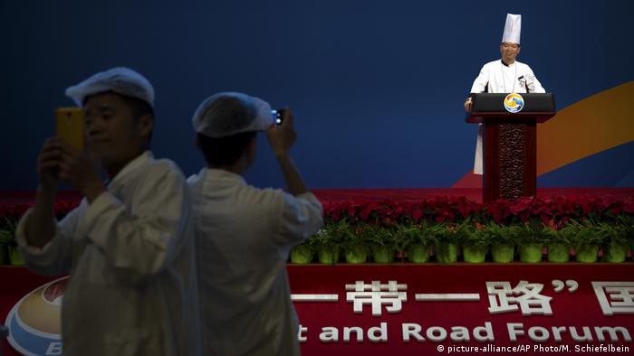 China Seidenstraßen-Gipfel CNCC in Beijing (picture-alliance/AP Photo/M. Schiefelbein)