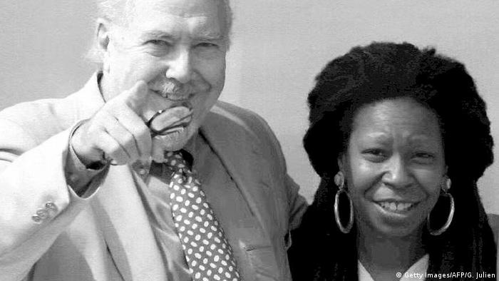 Whoopi Goldberg with Robert Altman in Cannes 1992 (Photo: Getty Images/AFP/G. Julien)