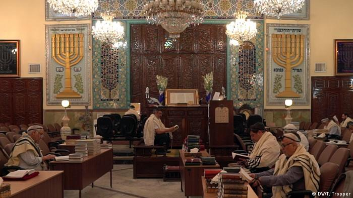 A service at Yusuf Abad Synagogue in Tehran