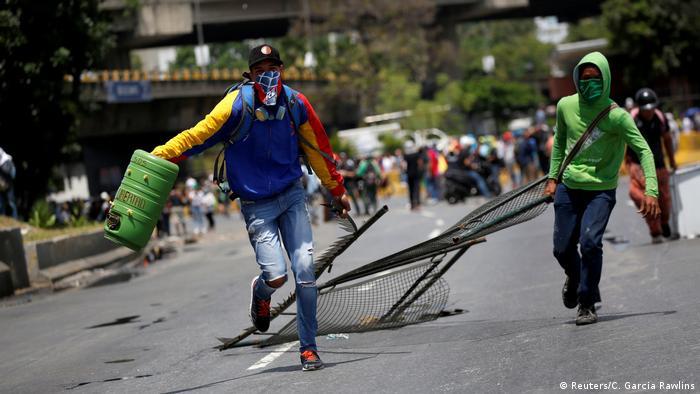 Venezuela Erneut Proteste gegen die Regierung (Reuters/C. Garcia Rawlins)