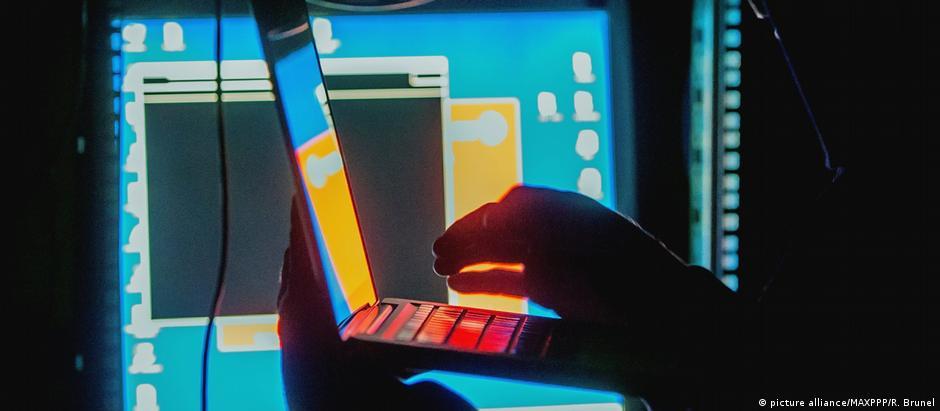 Autores do ataque com vírus WannaCry pedem pagamento de resgate para restaurar o acesso aos dados das vítimas