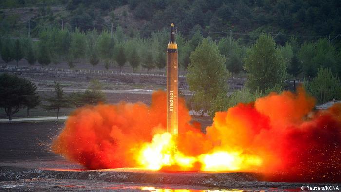 Nordkorea Hwasong-12 (Mars-12) Raketentest (Reuters/KCNA)