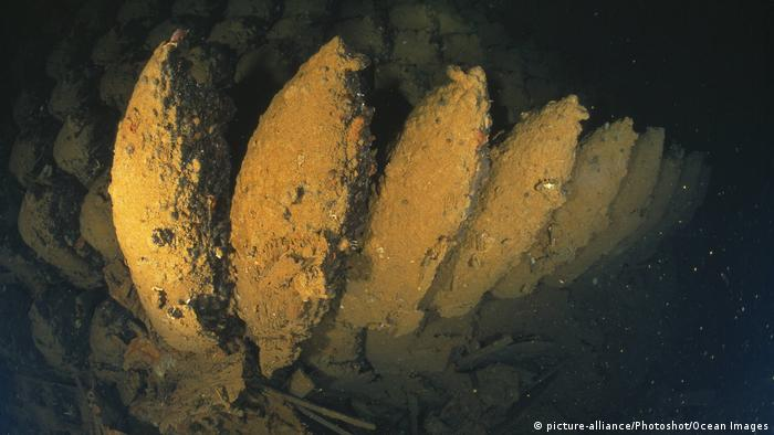 Rotes Meer Altmunition am Meeresgrund Wrack Umbria