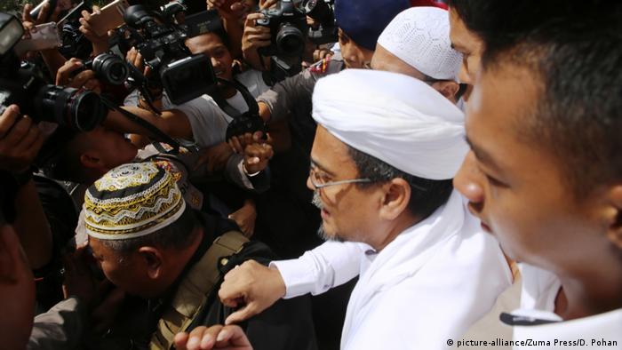 Indonesien Habib Rizieq Shihab, FPI (picture-alliance/Zuma Press/D. Pohan)